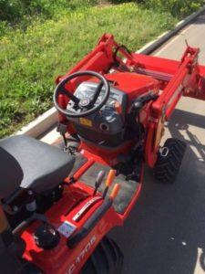 Massey-Ferguson-compact-tractor-cockpit