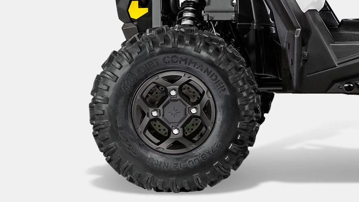 68.6 cm GBC Dirt Commander Tires