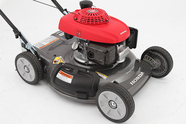 Honda_HRS216PDU_Lawnmower_lifestyle3